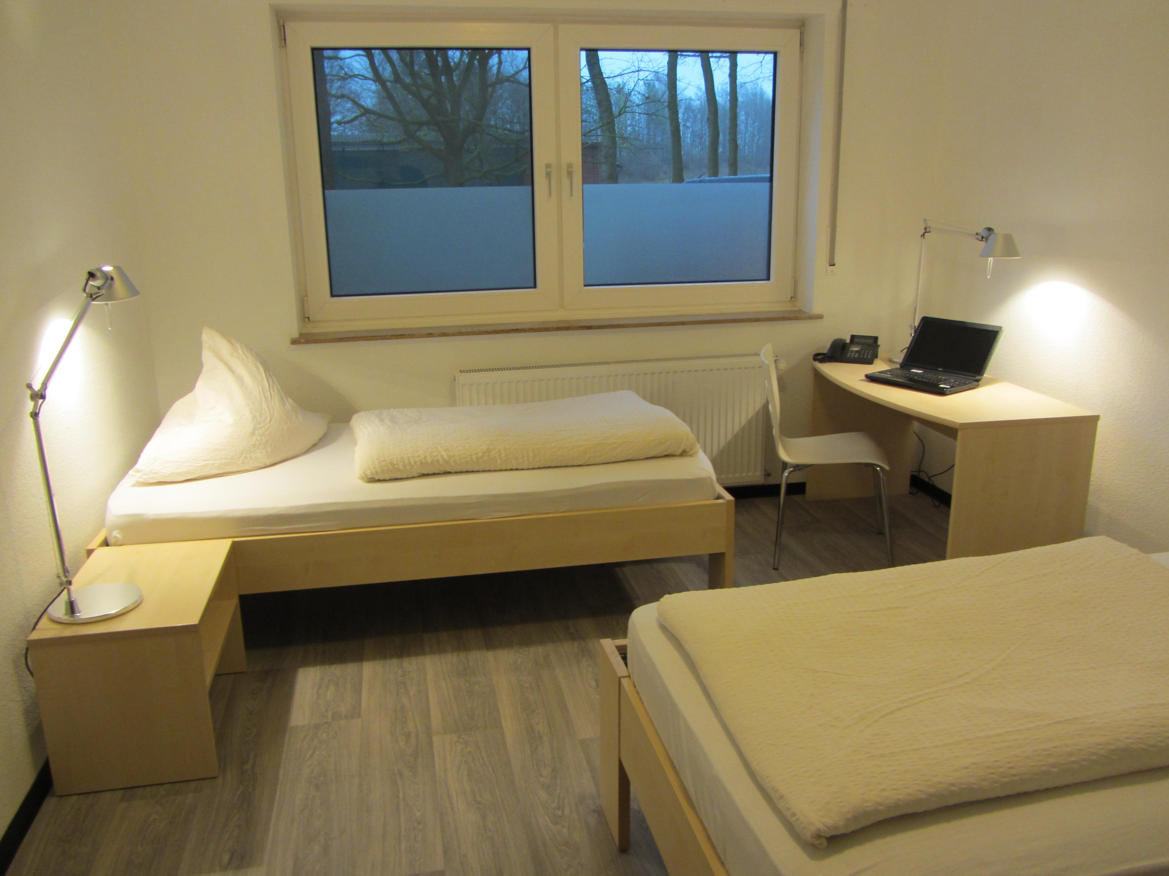 renovierung hotel appartement in lippstadt bad waldliesbornhotel pension appartement haus. Black Bedroom Furniture Sets. Home Design Ideas
