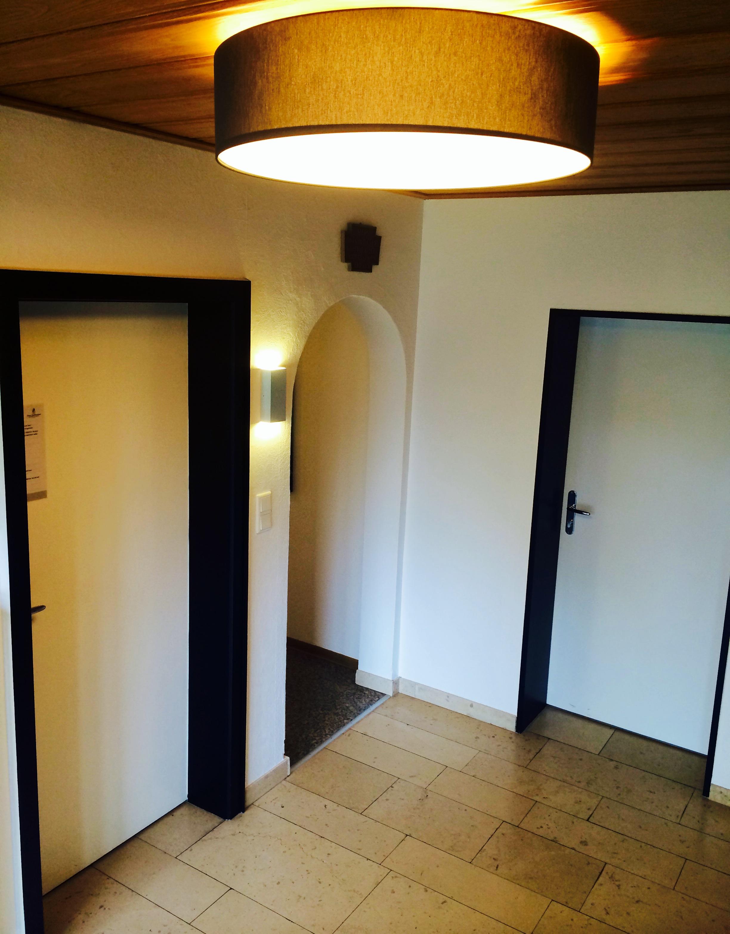 Schwarz/weisser Flur vom Hotel und Appartement Haus Stallmeister in Lippstadt