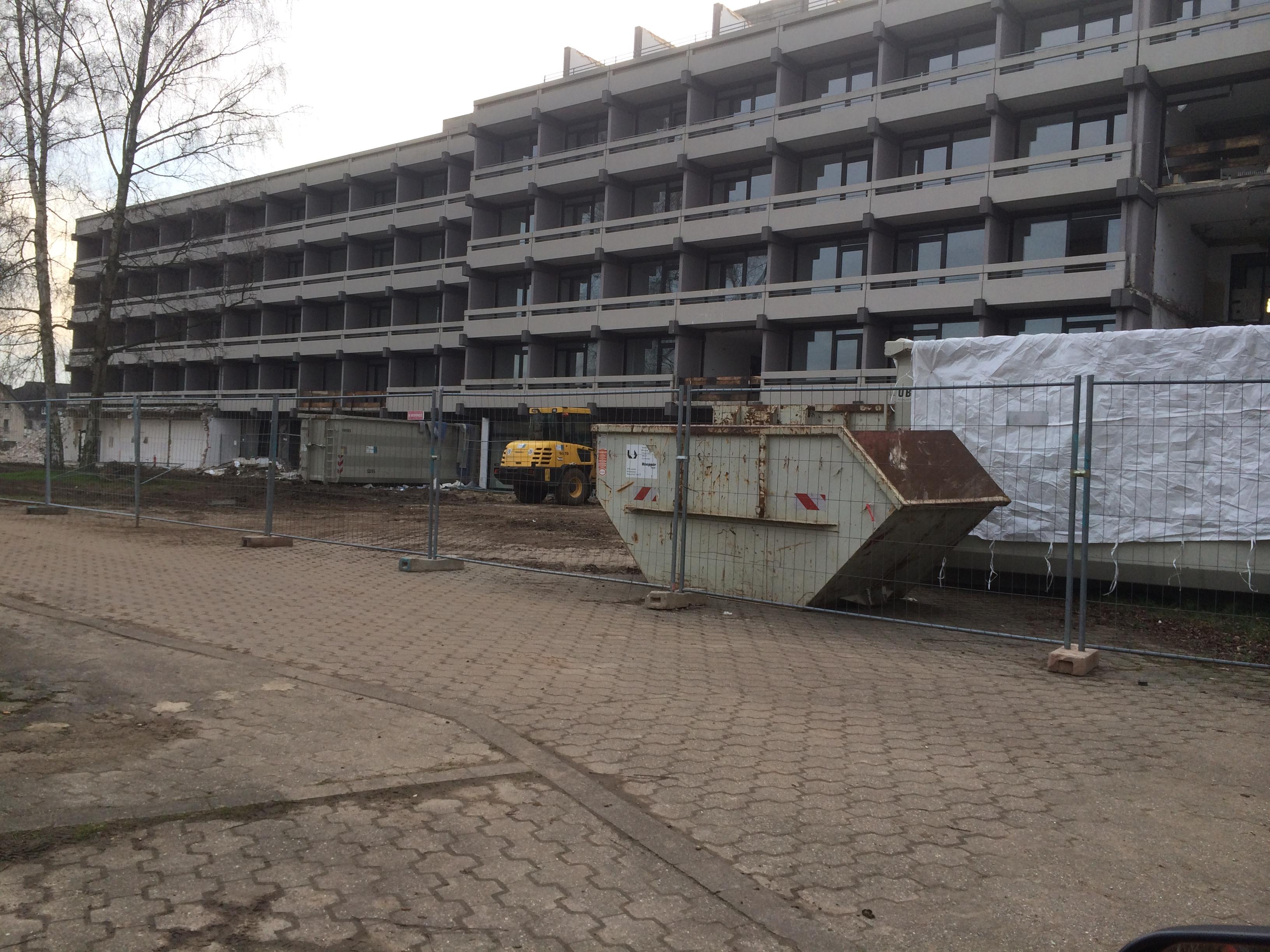 Container für Abbruch an der Kreuzkampklinik Lippstadt Bad Waldliesborn