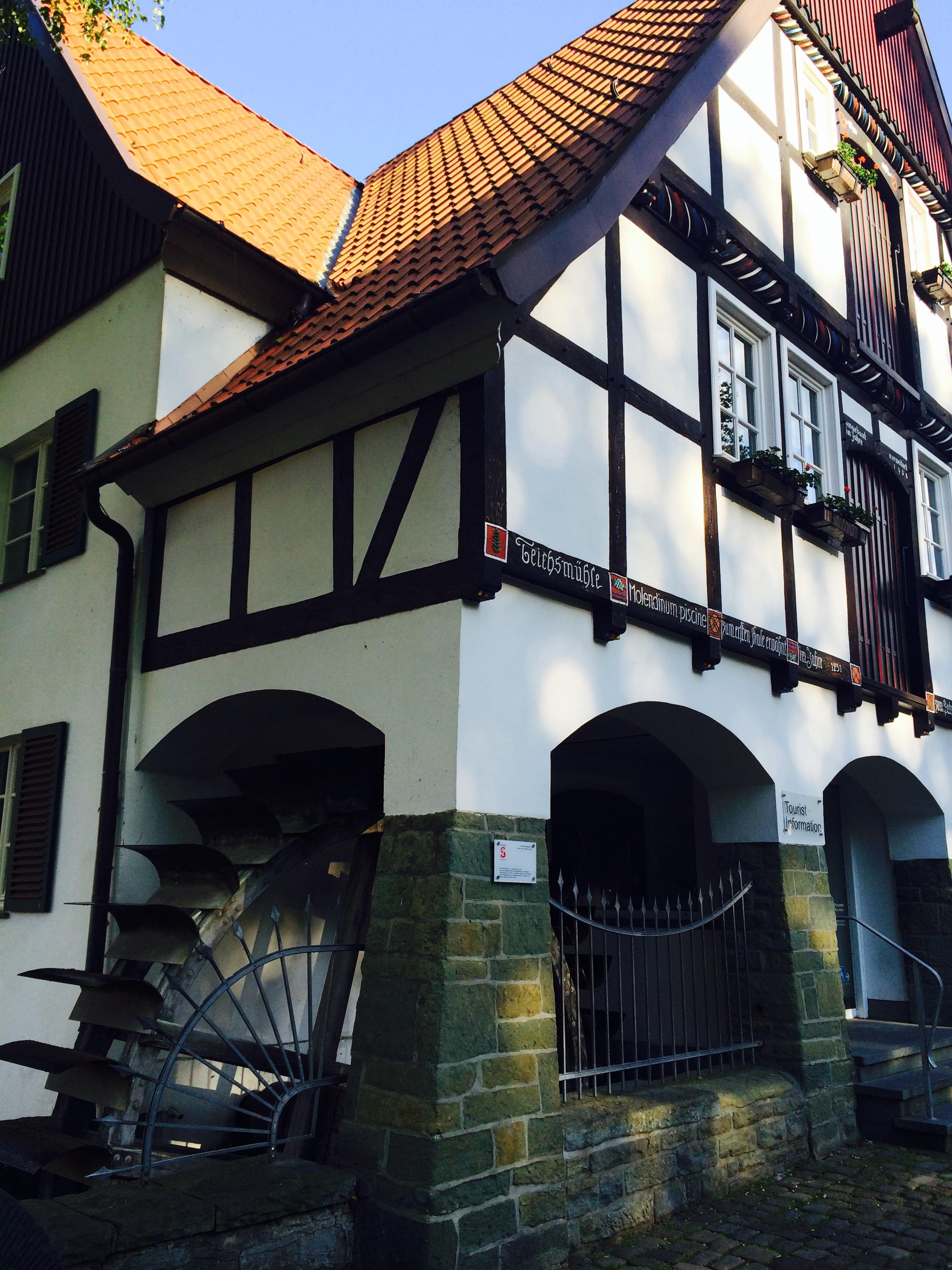 Fachwerkhaus mit Mühlenrad in der Altstadt von Soest
