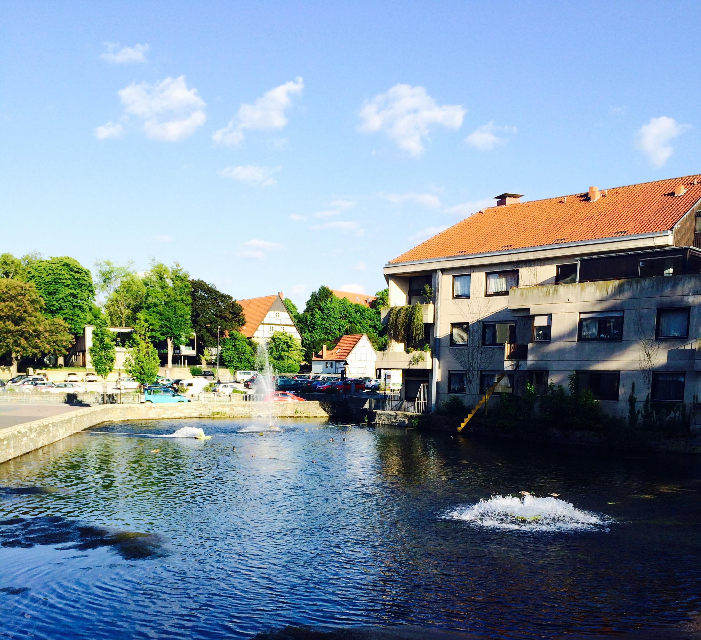 See in der Altstadt von Soest mit Enten und Schwänen
