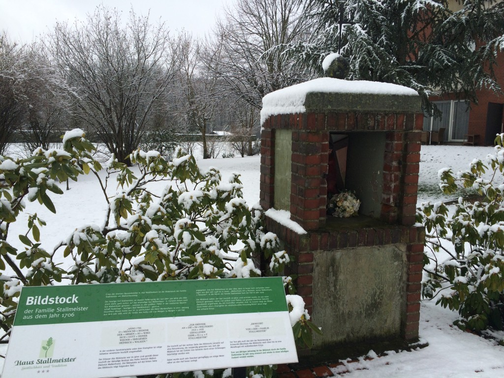 Haus Stallmeister im Schnee Heiligenhäuschen