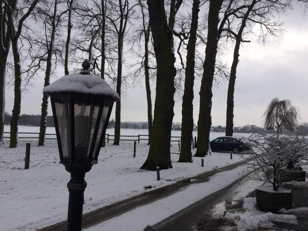 Haus Stallmeister im Schnee Lampe mit Schnee Hotel Pension