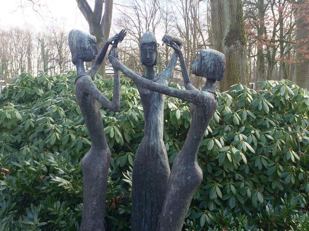 Kurpark Kunst Skulpturen Lippstadt Bad Waldliesborn Bronzefiguren drei Grazien