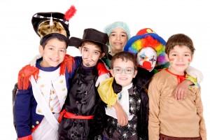 Karneval - bunte Kostüme und jede Menge Süßigkeiten