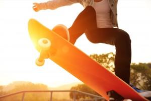 Hotelgäste probieren neue Tricks auf ihrem Skateboard im Skatepark Lippstadt