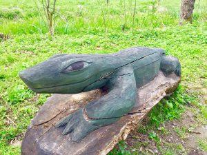 Grüner Winkel - Eidechse Holzfigur