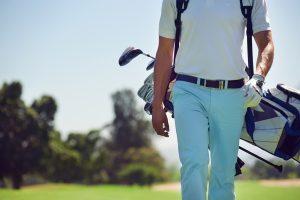 (Daxiao_Productions/Shutterstock.com) Golfplatz in der Nähe des Hotels