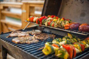 (Lukasz_Szwaj/Shutterstock.com) Grillen auf unserem Grillplatz