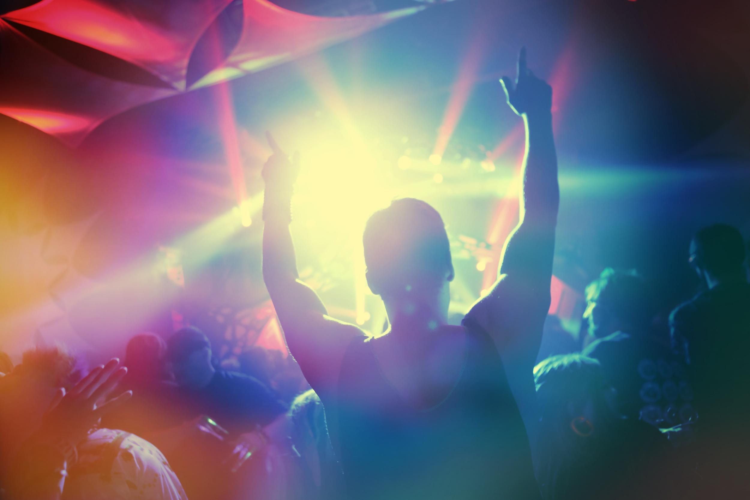 (Suzanne Tucker/Shutterstock.com) Tolle Shows auf der Burgbühne