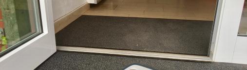 Neu! – Saugroboter und Schneidebretter im Hotel