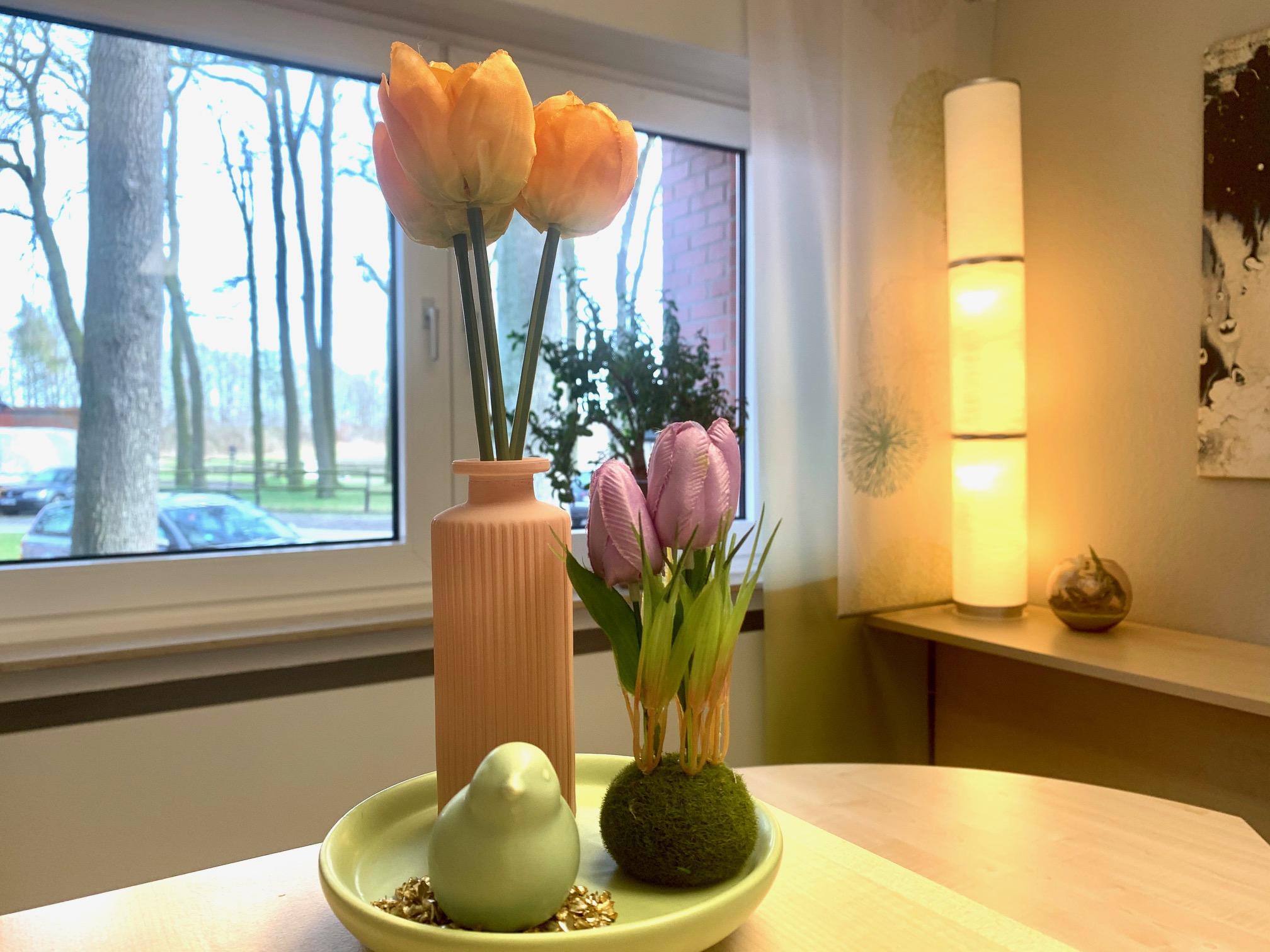 Frühlingdekoration Vase Blumen Vogel Hotel Haus Stallmeister Lippstadt 2